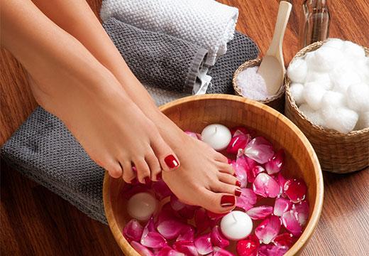 Особливості комплексного догляду за шкірою ніг в домашніх умовах