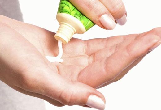 Огляд аптечних мазей для лікування трофічних виразок на нозі