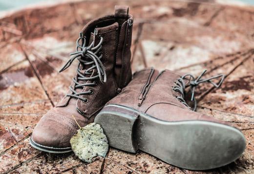 Який засіб допоможе позбутися від запаху у взутті