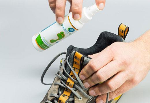 Як прибрати неприємний запах у взутті в домашніх умовах: огляд засобів та правил догляду