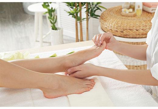 Масаж шишки на нозі великого пальця: техніки і ефективність