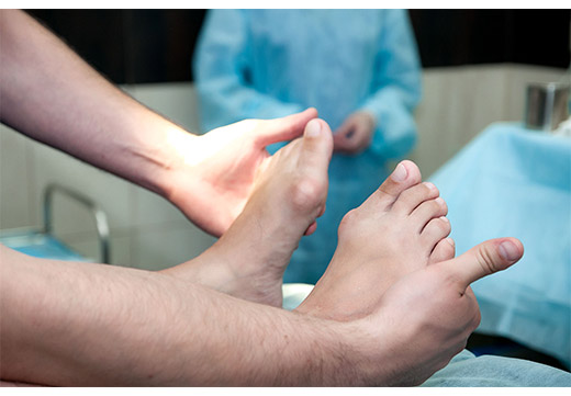 Особливості та переваги лазерного видалення кісточки на великому пальці ноги