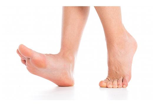 Що робити, якщо болить кісточка на ступні і чим можна знеболити
