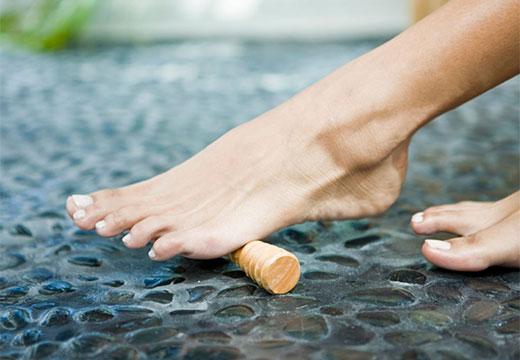 ЛФК, масаж і гімнастика для стоп при вальгусной деформації: правила виконання і ефективність