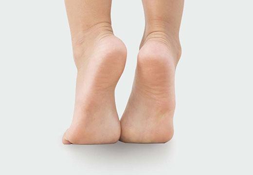Особливості появи п'яткової стопи, її симптоми і комплексне лікування