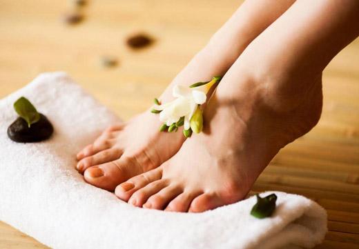 Особливості появи та методи лікування пустулезного псоріазу підошов