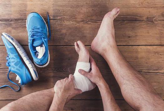 Як швидко як позбутися від натоптишів на ступнях: ефективні методи лікування