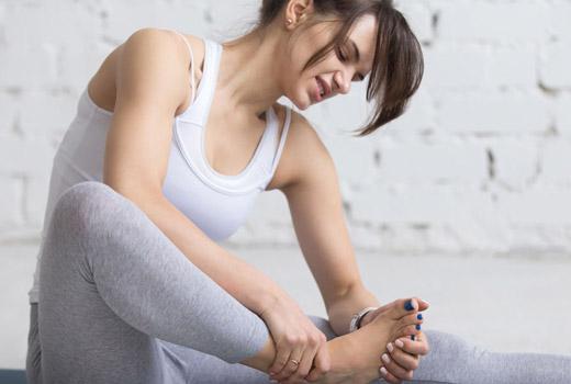 Папілома на підошві ноги: способи видалення і профілактика появи
