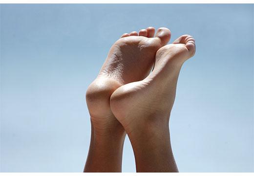 Основні ознаки плоскостопості і як проявляється у дорослих