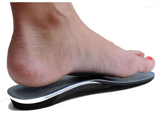 Ортопедичні устілки та взуття при плосковальгусной стопі у дітей: ефективність і правила вибору