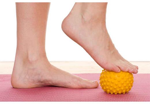 Огляд ефективних вправ і ЛФК для лікування і профілактики плоскостопості у дорослих