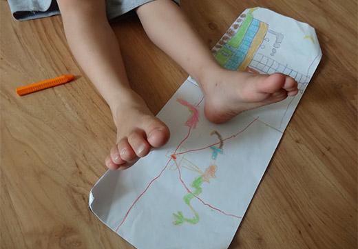 Правила підбору та ефективність носіння ортопедичних устілок для лікування плоскостопості у дітей